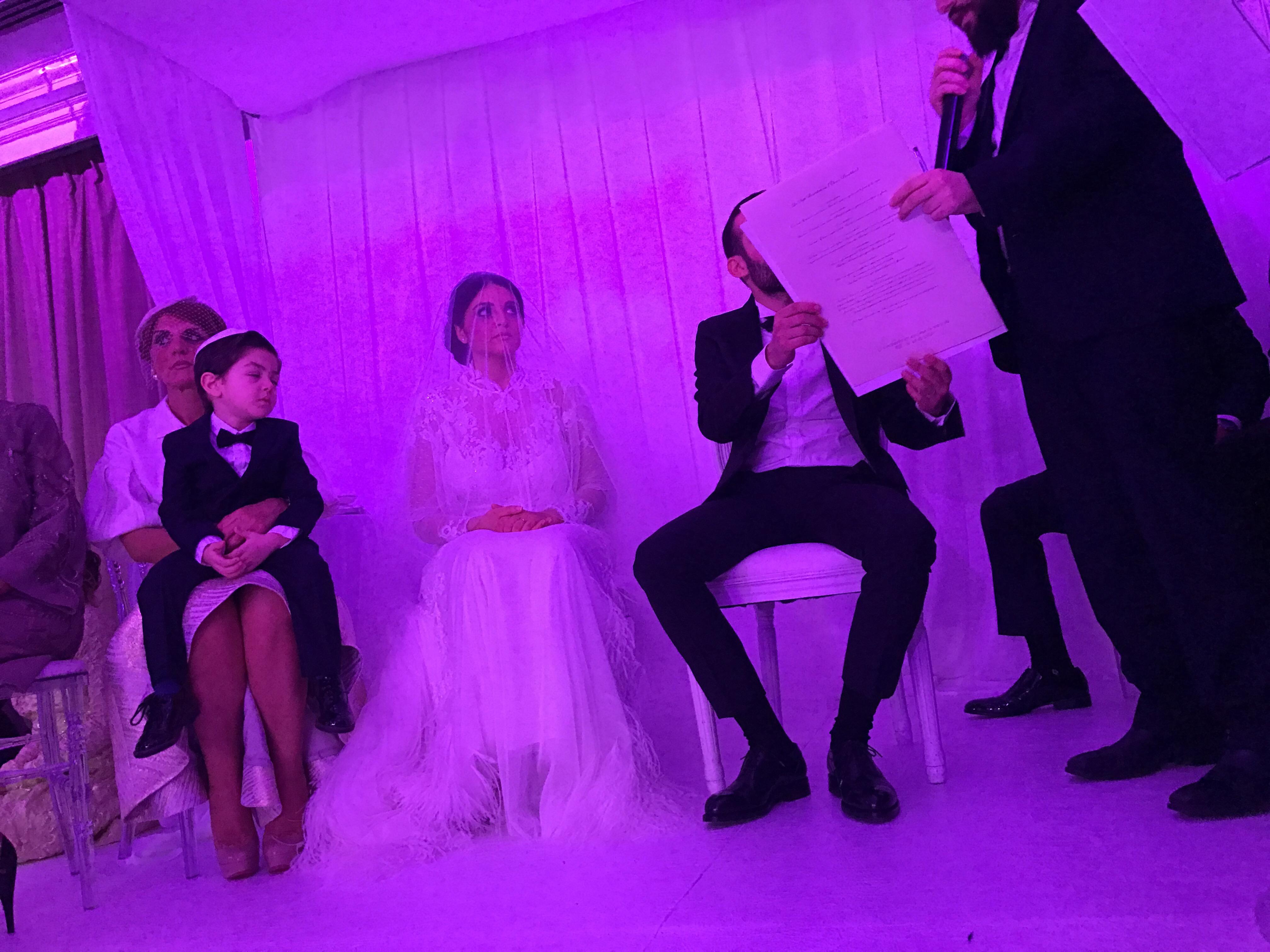 Yoni ELMALEH - Orchestre & DJ LIVE Mariage juifs Chanteur Synagogue Chanteur Houppa - Houpa - bénédictions nuptiales - Bar Mitsvah Nos formules vont de 1 à 10 artistes pour sublimer le plus beau jour de votre vie. http://www.musi-k.fr/houppa-houpa/