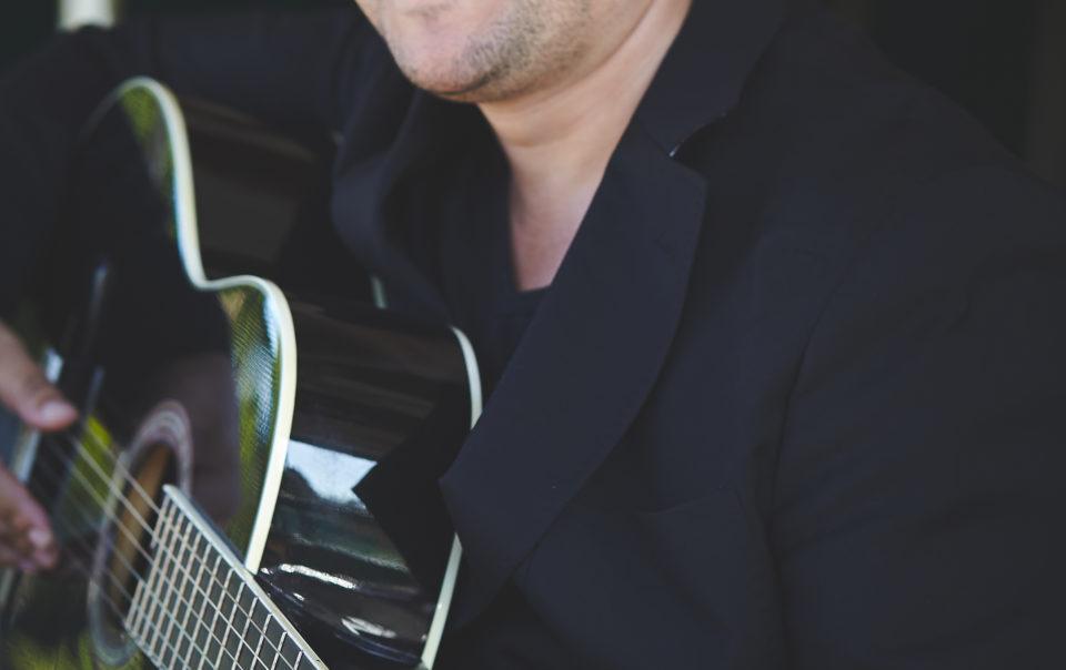 chanteur houppa Yoni ELMALEH